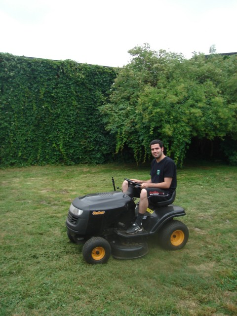 "The lawn tractor of ""Partner"" in Mecklenburg is good, what`s more important .... Ghassan T. Salman Environmental Engineer from Baghad. July 2008"